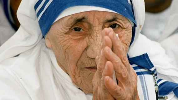 Canonizada Madre Teresa de Calcuta Santa de los más pobres