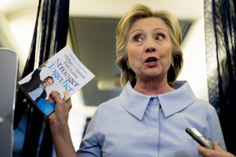 Hillary Clinton rechazó invitación del Presidente Enrique Peña Nieto en México