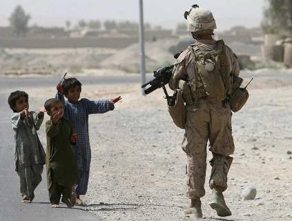 Niños son víctimas de desnutrición, maltrato en los enfrentamientos de Afganistán