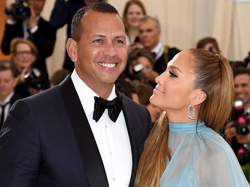 En el programa Tonight Show de Jimmy Fallon  Jennifer Lopez no solo habló de su película hablo de su corazón enamorado