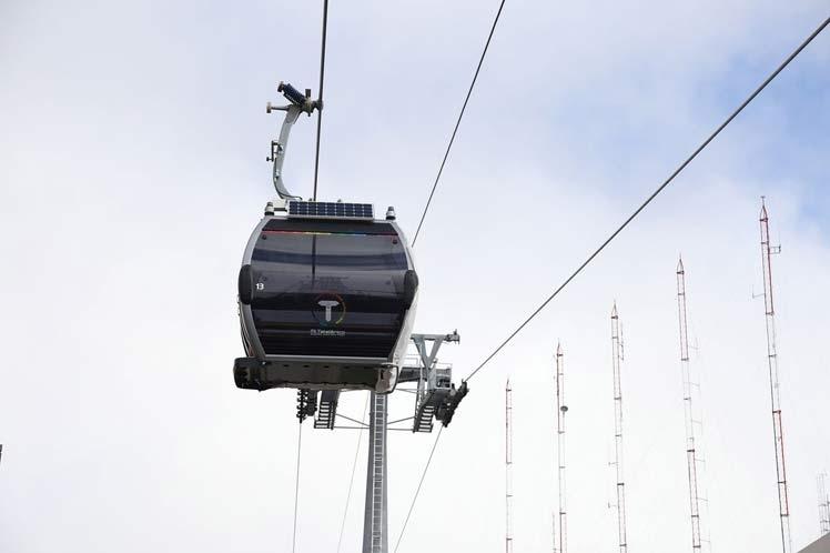 Se inaugura Línea Plateada conecta líneas Roja, Azul, Morada y Amarilla, en la ciudad de El Alto, que se puede bajar a La Paz y hacer transbordo hacia las líneas Naranja, Blanca, Café, Verde o, incluso, la Celeste, en pleno centro paceño
