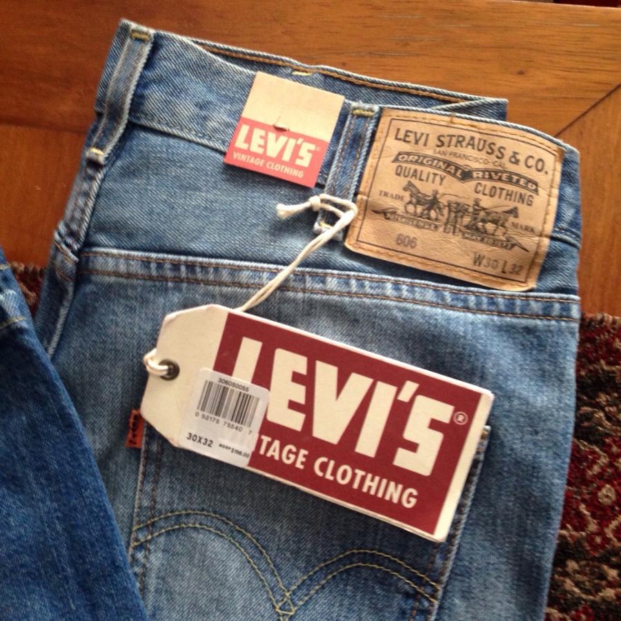 Levis ha vuelto a estar de moda marca que inventó el pantalón vaquero vuelve a cotizar en la bolsa