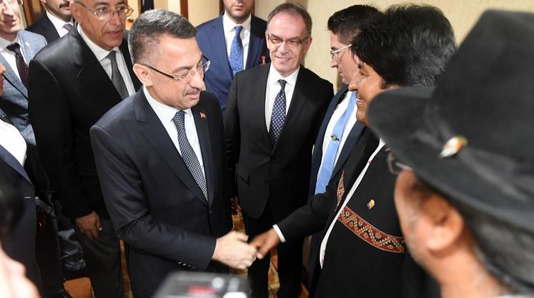 Lazos bilaterales y el intercambio comercial viaja Presidente Morales a Emiratos Árabes Unidos y Turquía