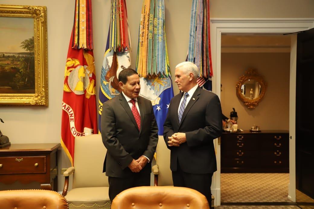 Hamilton Mourão Vicepresidente de Brasil  se reunió con Mike Pence y trazó hoja de ruta para la salida de Nicolas Maduro del poder en Venezuela