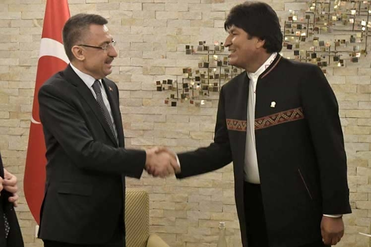 Presidente Evo Morales ya se encuentra en Turquía para reunión con su homólogo Tayyip Erdogan