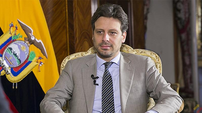 Guillaume Long Excanciller ecuatoriano afirma que la decisión de Moreno acerca de Assange fue acordada con EE.UU. a cambio de un préstamo
