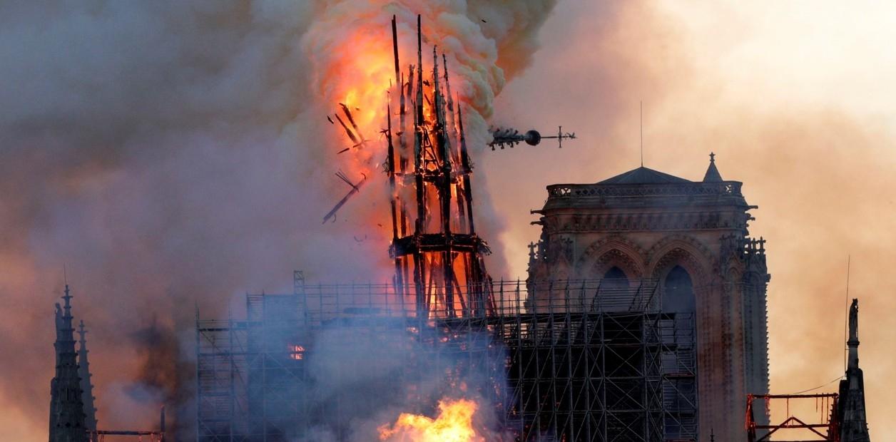 Se logro controlar el incendio de la catedral de Notre Dame de Paris