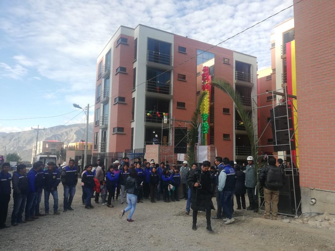 Presidente Evo Morales entrega departamentos a 14 familias damnificadas por deslizamiento en La Paz  este martes se entregarán en la ciudad de El Alto