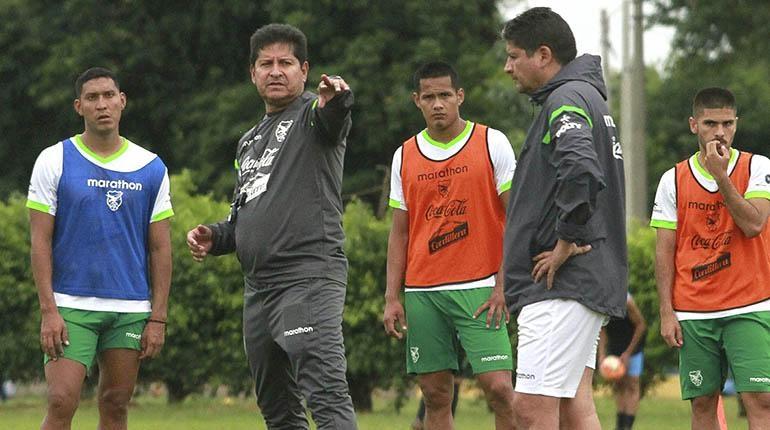Eduardo Villegas  tiene la nomina con con Rojas y cinco más pero solo 23 viajarán a Francia y a Brasil
