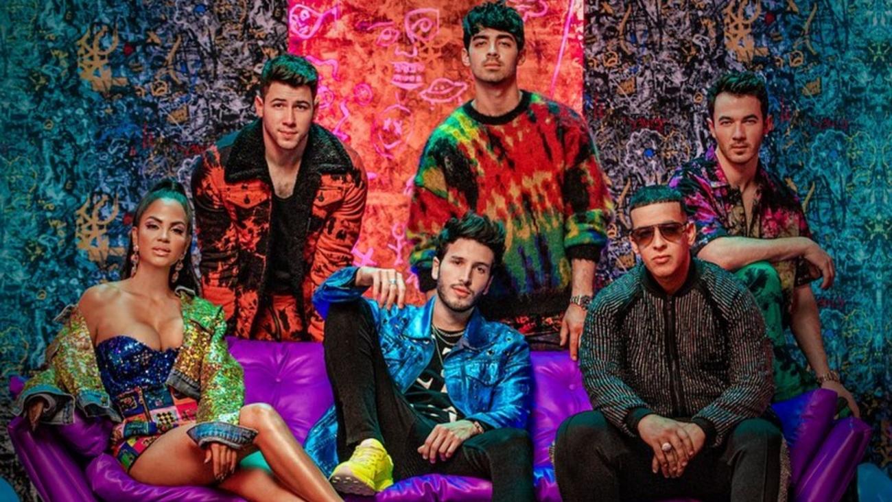 Jonas Brothers son atrapados por el  reggaeton de Daddy Yankee y Sebastián Yatra