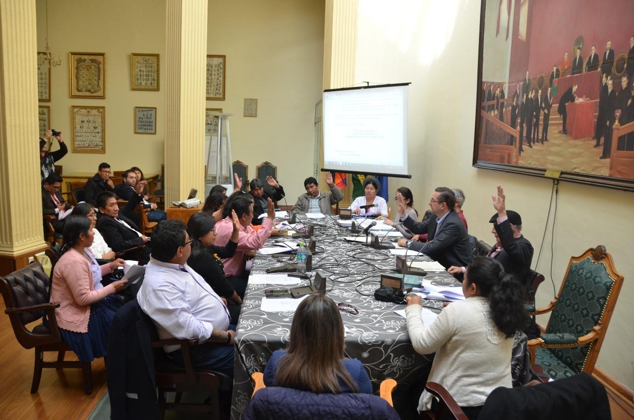 Se aprueba en la comisión Mixta Reglamento y Convocatoria para elegir a vocales del TSE y remite al pleno de la Asamblea Legislativa