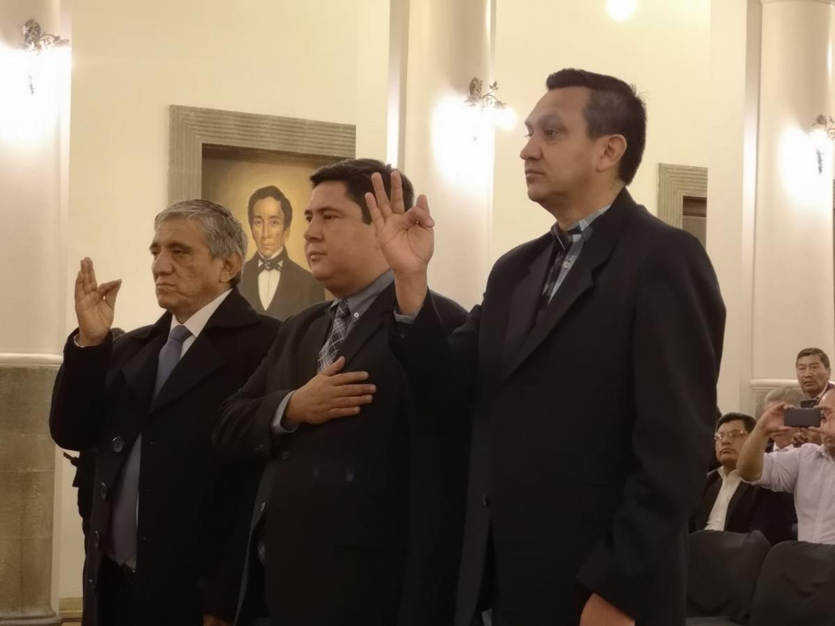 Jeanine Áñez destituye a Jerjes Justiniano y posesiona a Yerko Nuñez en el Ministerio de la Presidencia además de otros dos nuevos ministros