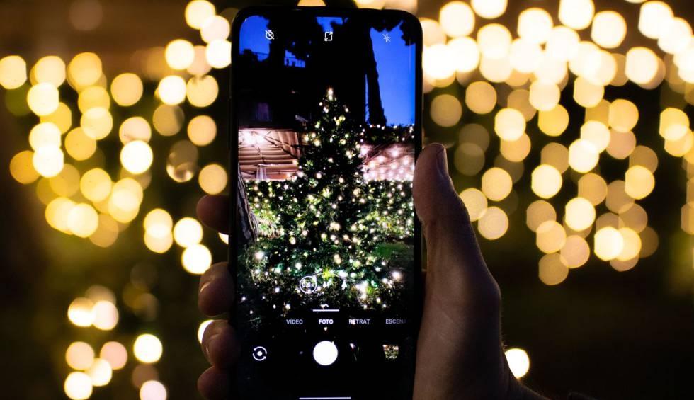 Desde www.lobodelaire.com le deseamos ¡Feliz Navidad! y les contamos cómo saludar a todos tus contactos de WhatsApp de una vez