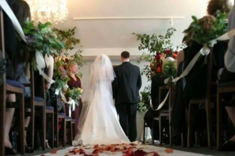 La Conferencia Episcopal de Bolivia (CEB) recomendó no celebrar matrimonios ni bautizos para evitar la propagación del virus