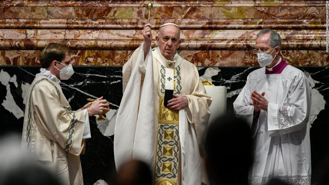 El papa Francisco desaprueba el gasto en armas durante la pandemia en su mensaje de Pascua: