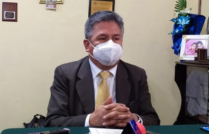 Luis Larrea presidente de Colegio Médico de Bolivia, determinó cuarto intermedio en sus medidas de presión