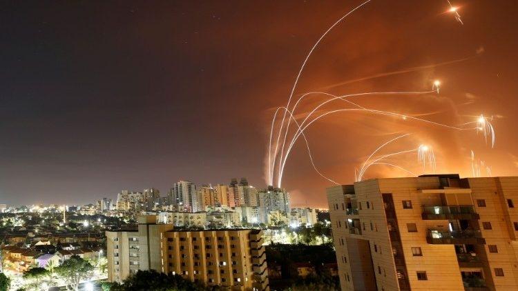 1.500 cohetes han sido disparados desde Gaza desde el inicio de la escalada