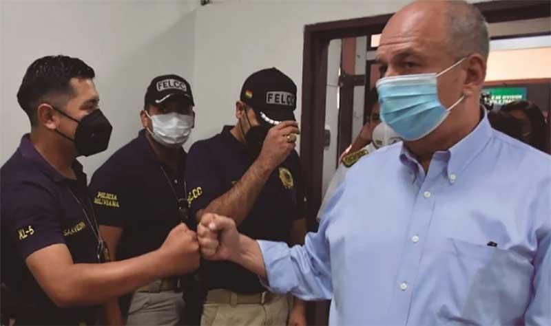 ¿De donde sacaron para pagar la fianza de $us 850.000 de Arturo Murillo? Y hallan armas en su casa en Tiquipaya